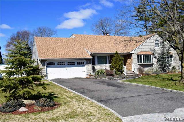 20 Arbour St, West Islip, NY - USA (photo 2)