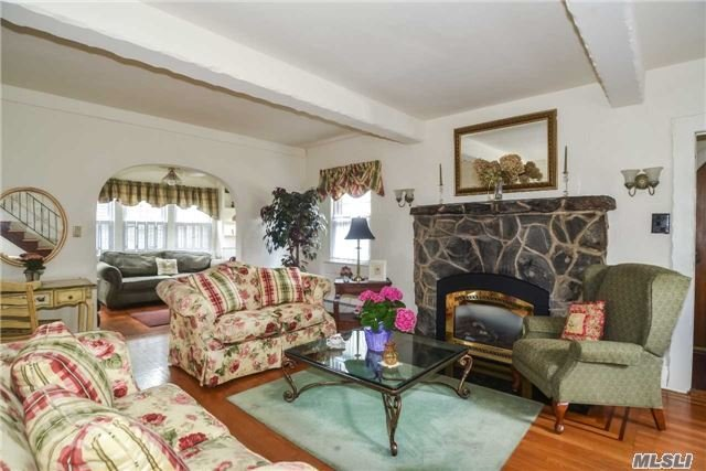 65 Larch Ave, Floral Park, NY - USA (photo 3)
