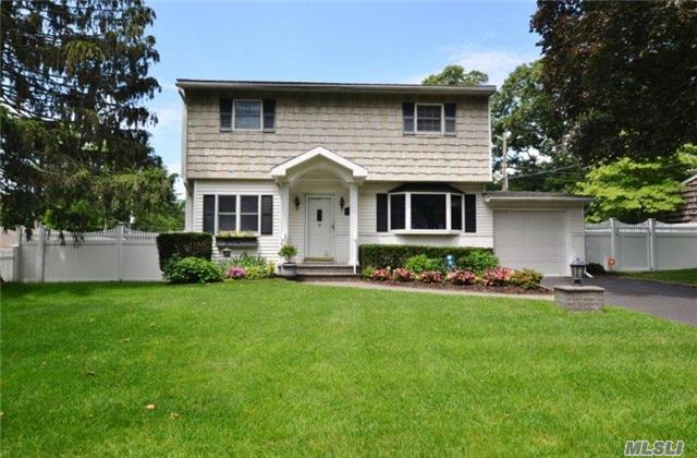 12 Daphne Pl, Smithtown, NY - USA (photo 1)