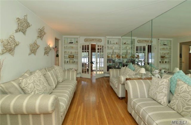12 Daphne Pl, Smithtown, NY - USA (photo 3)