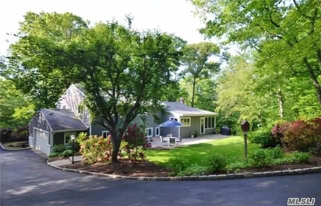 208 Little Neck Rd, Centerport, NY - USA (photo 2)
