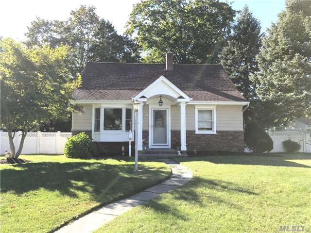 78 Oak Ave, Smithtown, NY - USA (photo 1)