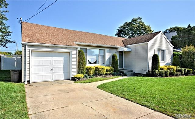 2941 Brower Ave, Oceanside, NY - USA (photo 3)