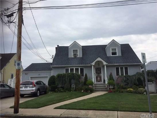 1365 A St, Elmont, NY - USA (photo 1)