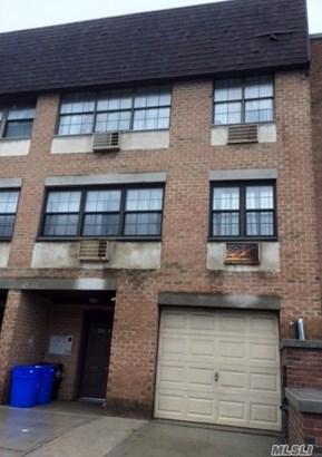 240-12 70th Ave, Douglaston, NY - USA (photo 1)