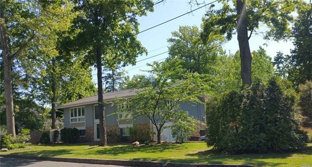 50 Jerome St, Smithtown, NY - USA (photo 1)