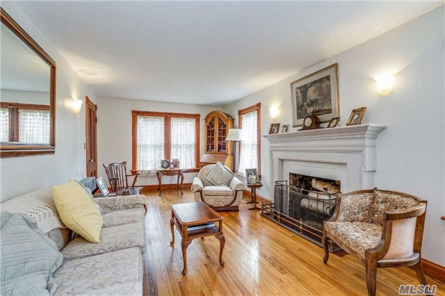 520 Moriches Rd, St. James, NY - USA (photo 2)