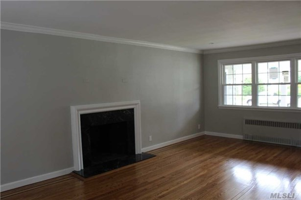 621 Lakeview Ave, Rockville Centre, NY - USA (photo 2)