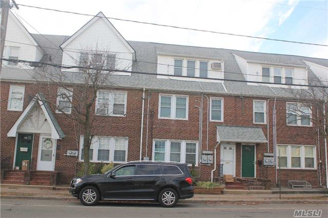 645 Willis Ave, Williston Park, NY - USA (photo 1)