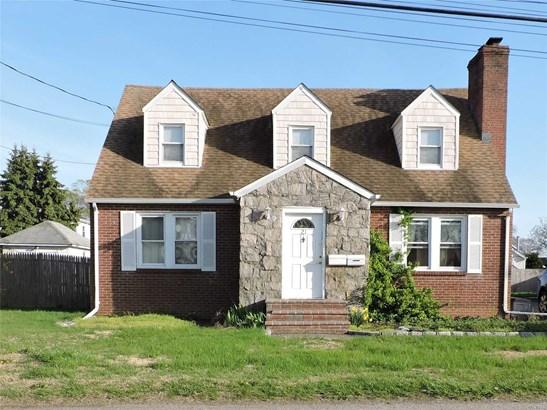 21 Herbert Ave, Lindenhurst, NY - USA (photo 1)