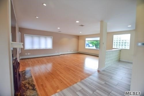 105 Inlet Dr, Lindenhurst, NY - USA (photo 3)