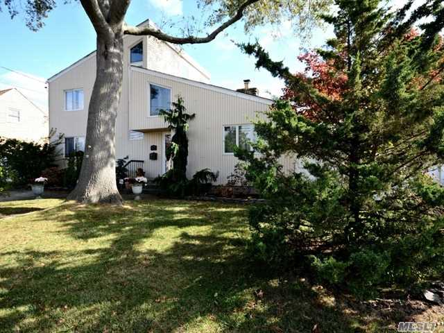 3385 Lindbergh Ave, Oceanside, NY - USA (photo 2)