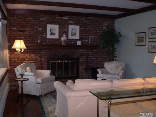28 Clearbrook Dr, Smithtown, NY - USA (photo 2)