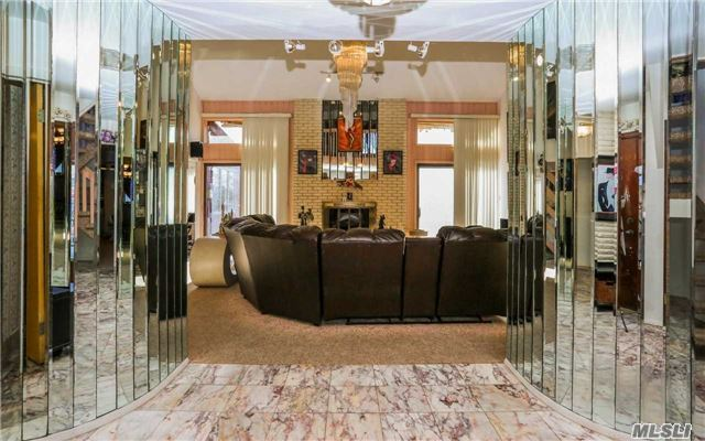 160 Pace Dr, West Islip, NY - USA (photo 3)