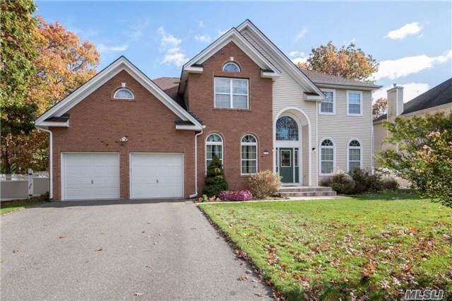 33 Independence Way, Miller Place, NY - USA (photo 1)