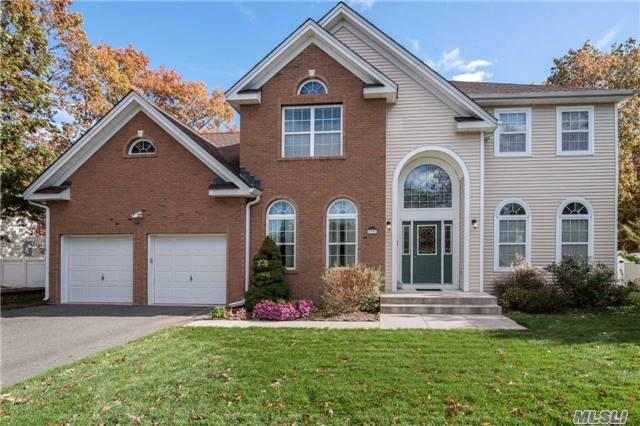 33 Independence Way, Miller Place, NY - USA (photo 2)