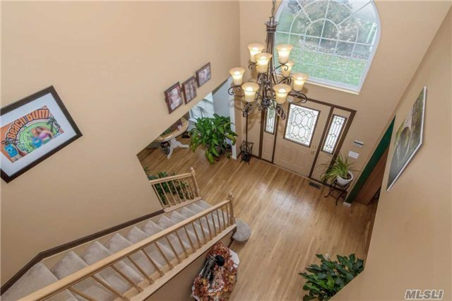 33 Independence Way, Miller Place, NY - USA (photo 4)