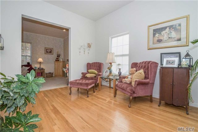 33 Independence Way, Miller Place, NY - USA (photo 5)