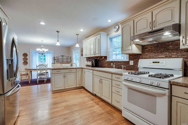 163 Silas Carter Rd, Manorville, NY - USA (photo 4)