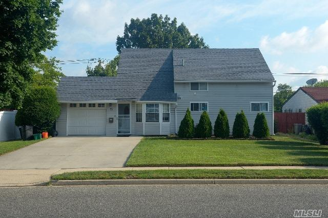 71 Orchid Rd, Levittown, NY - USA (photo 1)