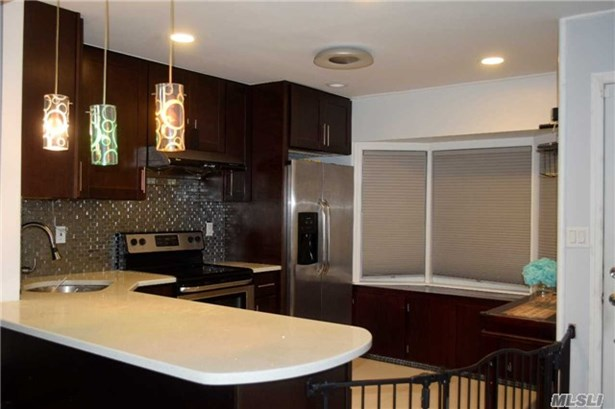 71 Orchid Rd, Levittown, NY - USA (photo 5)