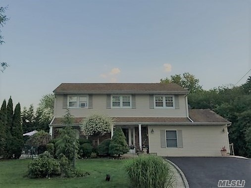 10 Avelaine Ct, Babylon, NY - USA (photo 1)
