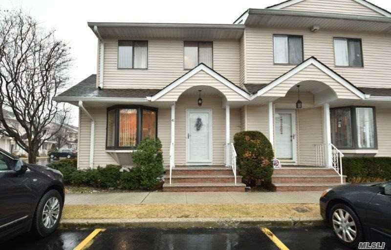 1790 Front St, East Meadow, NY - USA (photo 1)