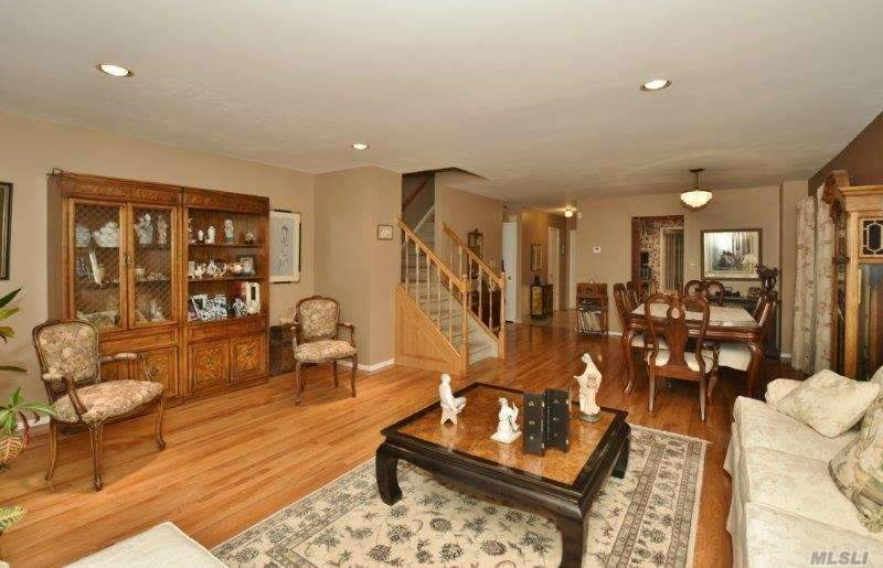 1790 Front St, East Meadow, NY - USA (photo 3)