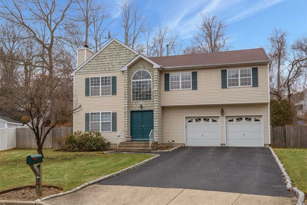 18 Mayfair Ct, Nesconset, NY - USA (photo 1)