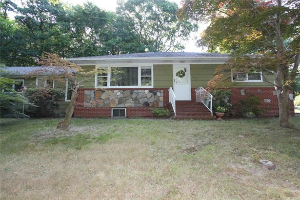 37 Woodhull Landing Rd, Sound Beach, NY - USA (photo 1)