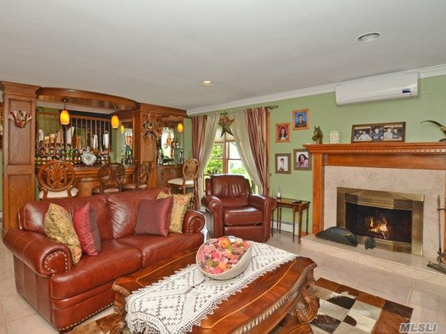 3992 Greentree Dr, Oceanside, NY - USA (photo 4)
