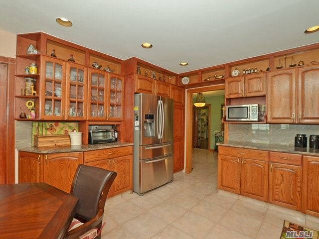 3992 Greentree Dr, Oceanside, NY - USA (photo 5)