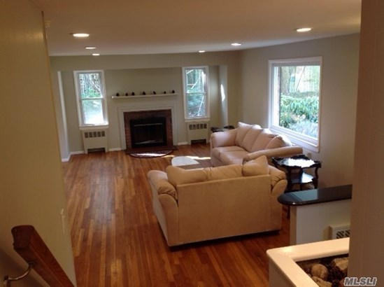 6 Swan Ct, Huntington, NY - USA (photo 2)