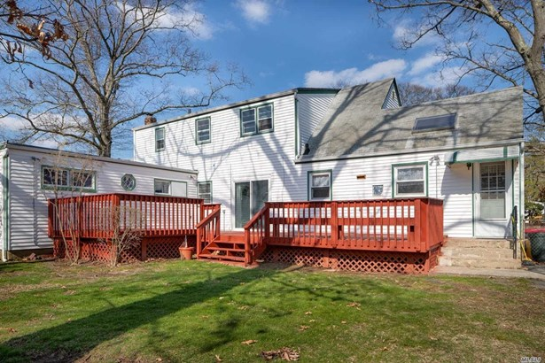 198 Park Blvd, Massapequa Park, NY - USA (photo 2)