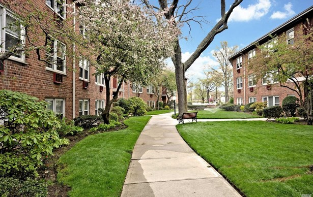 61 Maine Ave, Rockville Centre, NY - USA (photo 4)