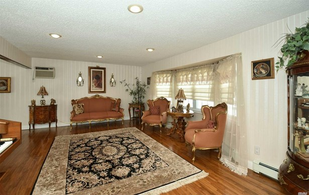 4 Christopher Ct, Deer Park, NY - USA (photo 4)