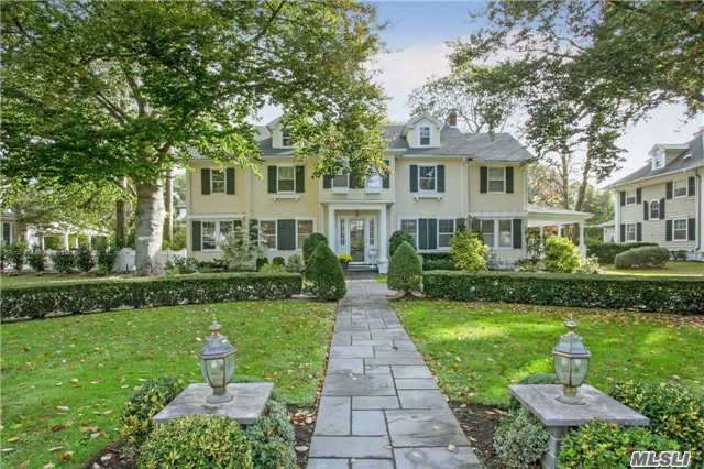 25 Nassau Blvd, Garden City, NY - USA (photo 1)