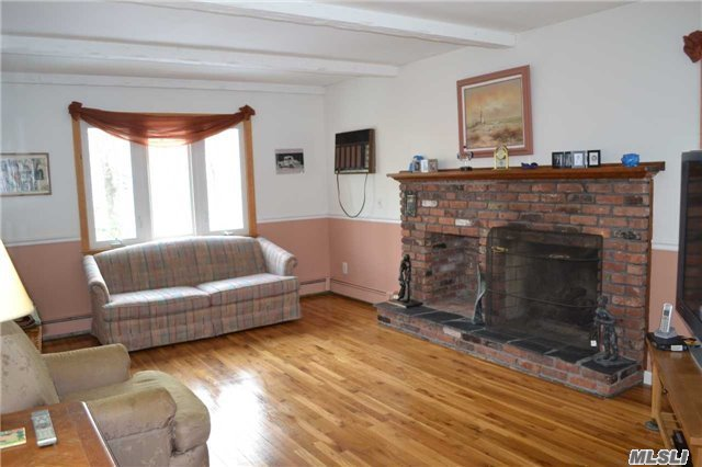 400 Oakwood Rd, Port Jefferson, NY - USA (photo 2)