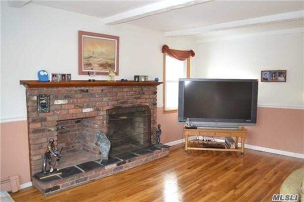 400 Oakwood Rd, Port Jefferson, NY - USA (photo 3)