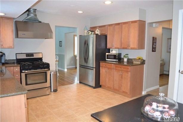 400 Oakwood Rd, Port Jefferson, NY - USA (photo 5)