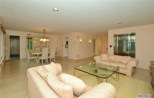 211 North St, Manhasset Hills, NY - USA (photo 4)