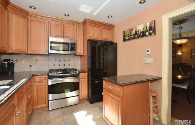 117-16 12th Ave, College Point, NY - USA (photo 2)