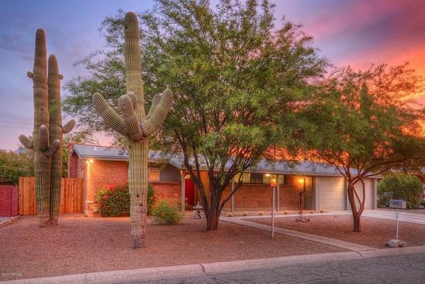 7425 E Calle La Vega, Tucson, AZ - USA (photo 1)