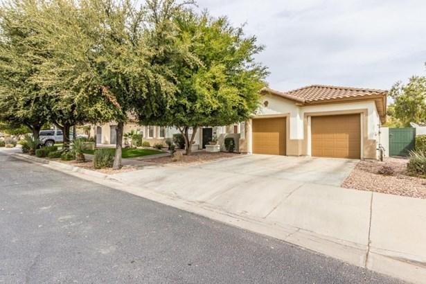 744 W Juniper Ln, Litchfield Park, AZ - USA (photo 1)