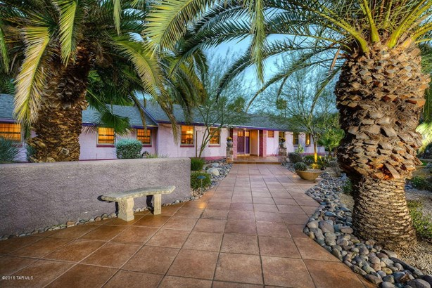 140 N Camino Miramonte, Tucson, AZ - USA (photo 1)