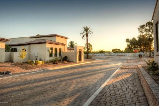 2225 E Ambassador Court, Tucson, AZ - USA (photo 1)