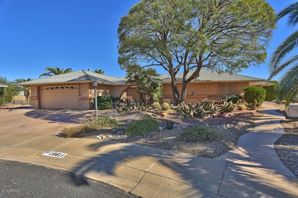 19811 N Conquistador Dr, Sun City West, AZ - USA (photo 1)
