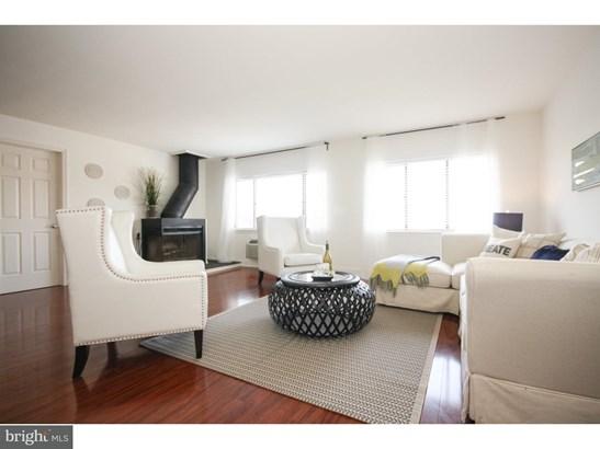 Contemporary,Bi-level, Unit/Flat - PHILADELPHIA, PA (photo 2)