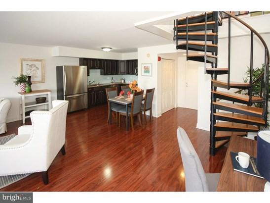 Contemporary,Bi-level, Unit/Flat - PHILADELPHIA, PA (photo 5)