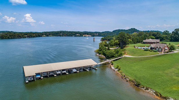 Lake Front,Single Family,Waterfront Access - Louisville, TN (photo 3)